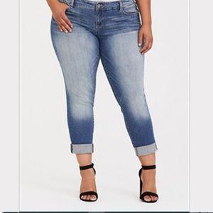 Torrid Vintage Wash Boyfriend Jeans Size 16